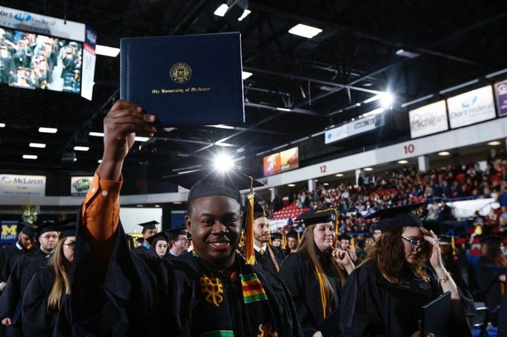 December 2015 Commencement Ceremony at University of Michigan-Flint: http://studyusa.com/en/blog/655/commencement-ceremony-at-university-of-michigan-flint #UMFlint #UMFlintIC #USeducation #studyabroad #graduation2015 #commencement2015