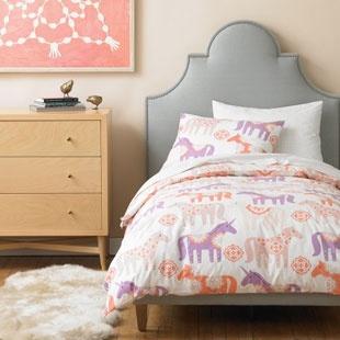 The 25+ best Unicorn bed ideas on Pinterest | Unicorn bedroom ...