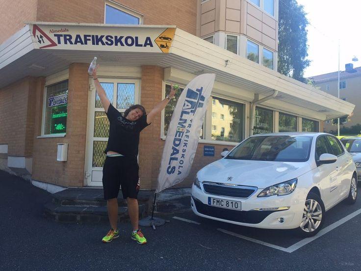 Almedals Trafikskola Göteborg - Vi på Almedals trafikskola göteborg utbildar elever inom moped och B-körkort, där vi i vår utbildning