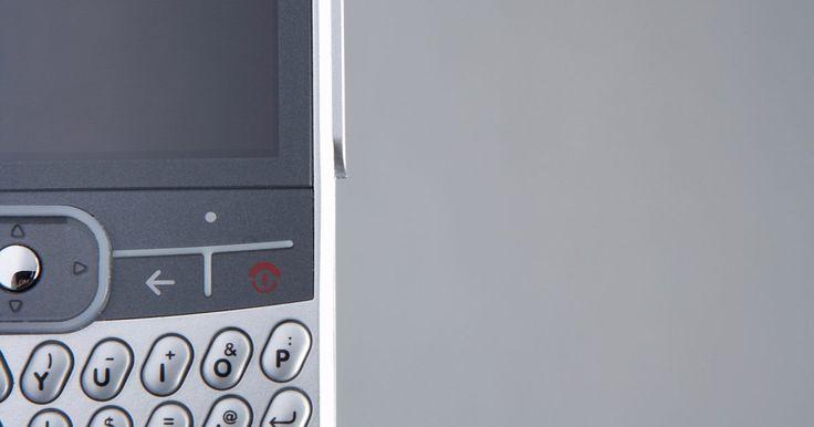 Como controlar uma TV usando Wi-fi. Vários aplicativos permitem o uso de um dispositivo com internet, como um controle remoto da TV via Wi-fi. O aplicativo Samsumg Remote para iPhone oferece uma interface de controle remoto padrão no visor do smartphone, e o acelerômetro do telefone responde aos gestos do usuário quando operando uma TV Samsung com Wi-fi. O RedEye, que requer o ...