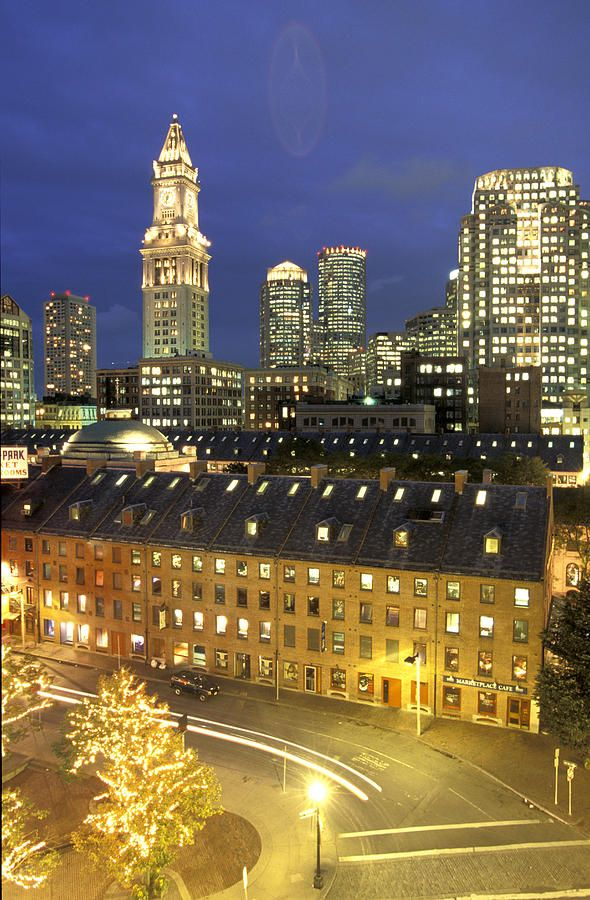 ✭ Skyline of Central Business district in Boston, Massachusetts