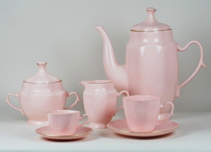 Serwis Anna Maria z różowej porcelany Anna Maria porcelain set (pink porcelain)