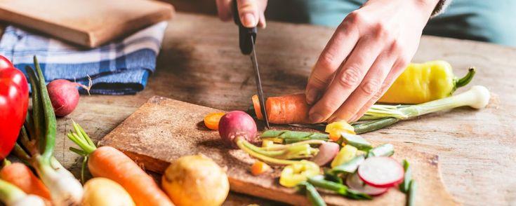 """Laut einer Umfrage im Auftrag des Gesundheitsmagazins """"Apotheken Umschau"""" nutzt mehr als jeder Dritte in Deutschland, der einen Balkon oder Garten zur Verfügung hat, diesen für den Anbau von Obst, Gemüse und Kräutern (38,9 %). - See more at: http://www.food-and-farm.com/2016/10/10/ernte-im-eigenen-garten-2/#sthash.8yPL3XFC.dpuf"""