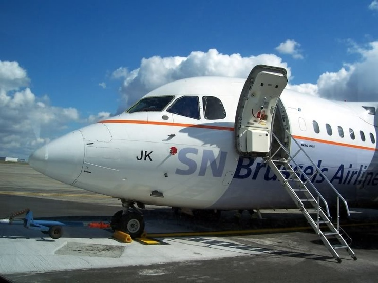 Avro RJ85 of SN Brussels Airlines shortly before boarding in Brussels. Was operating flight to Newcastle.