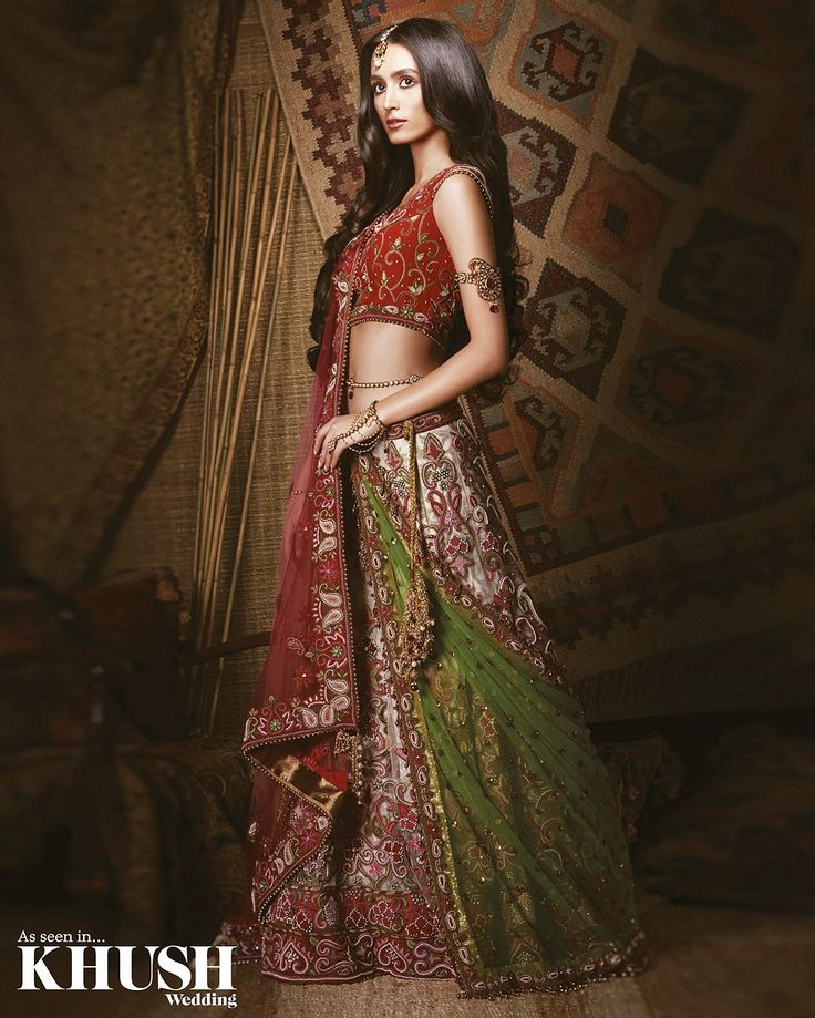 Still looking for that lehenga you'll fall in love with? Well look no further, we've found the one! This @sfcollectionltd  piece is hot right now  • +44(0)208 428 2817