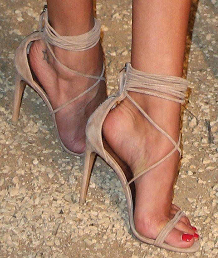 Tienda Online Venta caliente 2015 verano nuevo estilo sandalias de correa  de gamuza correa cruzada tobillo-envuelven zapatos de tacón alto de color  beige ...