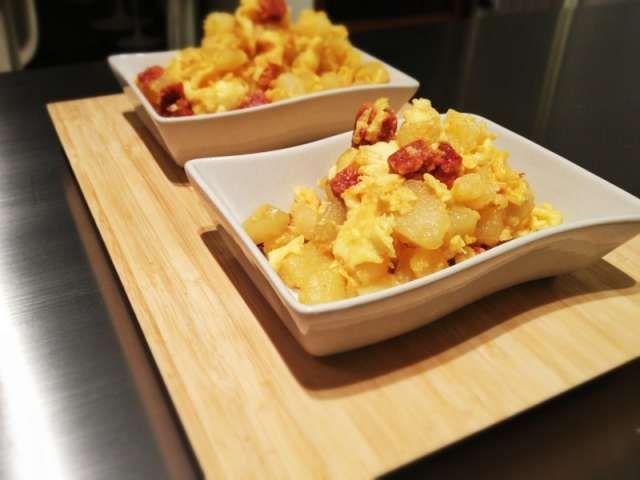 Revuelto de huevos, chorizo, patata