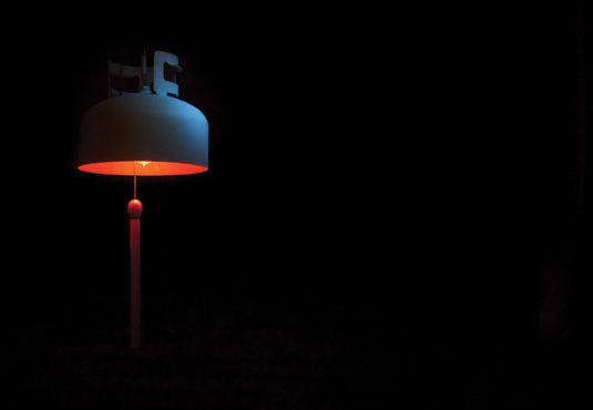 L'allumeuse est une lampe ludique conçue à partir d'un réservoir de propane