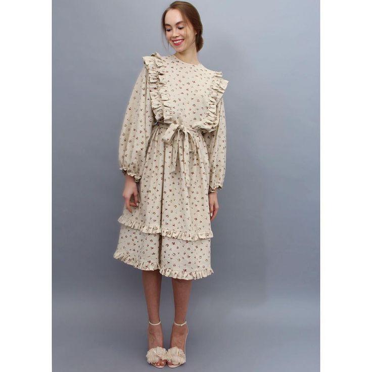 1,215 отметок «Нравится», 9 комментариев — РЕ(ПЕ)❤️ (@pe_for_girls) в Instagram: «☀️Новое платье с рюшами из льна в мелкий цветочек цена: 18.000 руб. Состав: 100% лён; Пожалуйста,…»