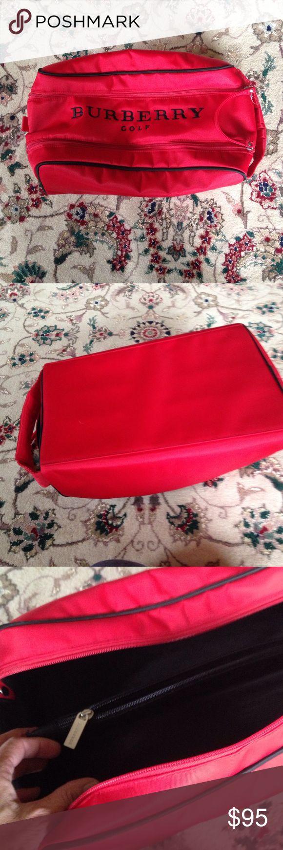 Burberry golf shoe bag Red Burberry gold bag. Burberry Bags Travel Bags