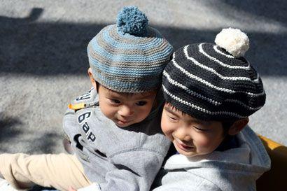 ボンボンつき子どもベレー帽_かぎ針編み