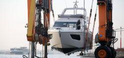 Erste Auskranungen zur boot 2017 / © MD, ctillmann