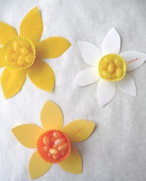 paper daffodil jelly bean cups