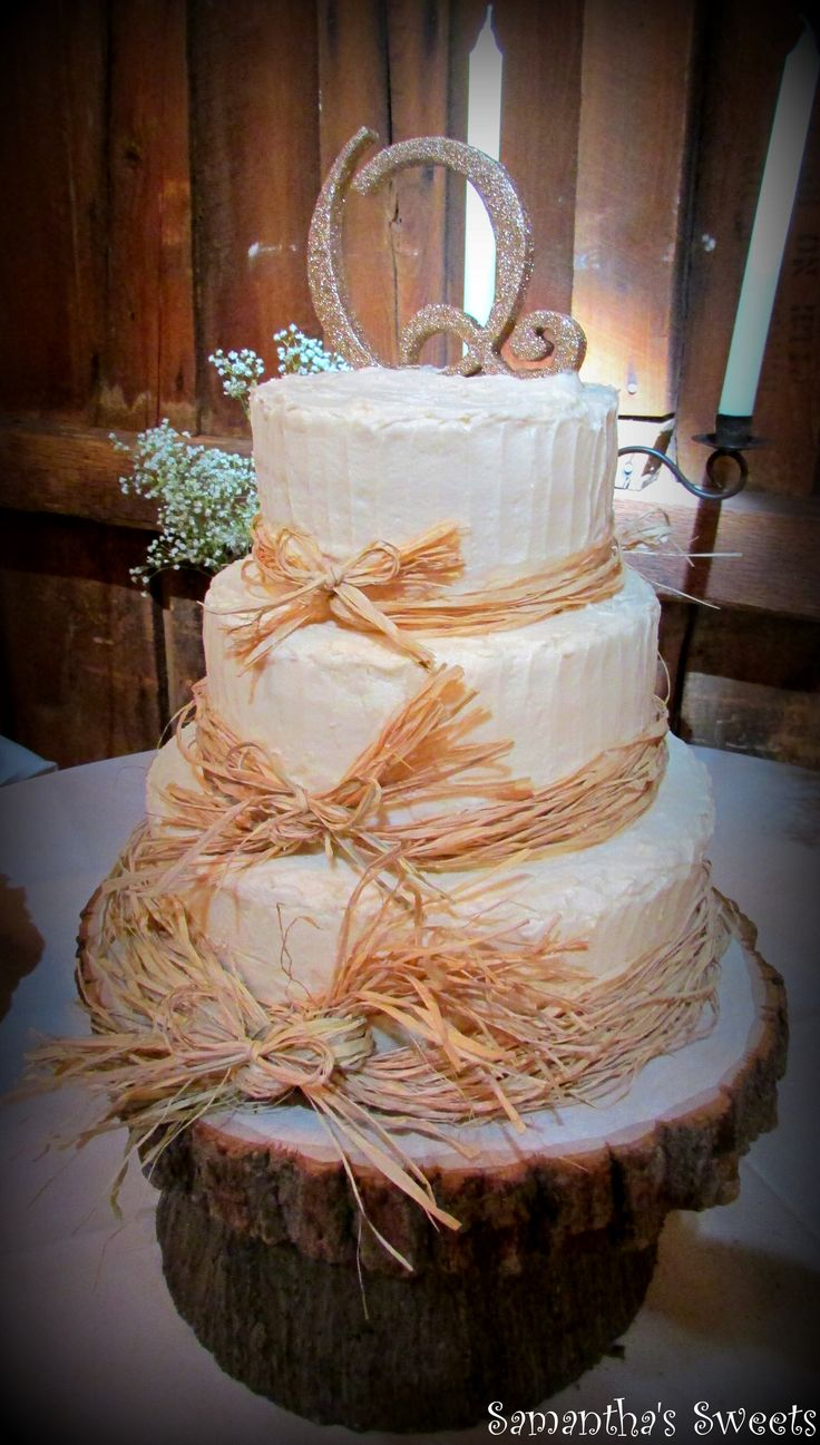 Tree stump ideas for wedding - Find This Pin And More On Cake Ideas Rustic Wedding Cake With Raffia Bows On Tree Stump