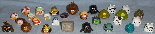 Hasbro Star Wars Angry Birds Figures   Here's all you get with the current sets.