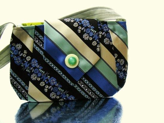 I love this idea for a bag. necktie crafts | Necktie Crafts / Necktie Purse