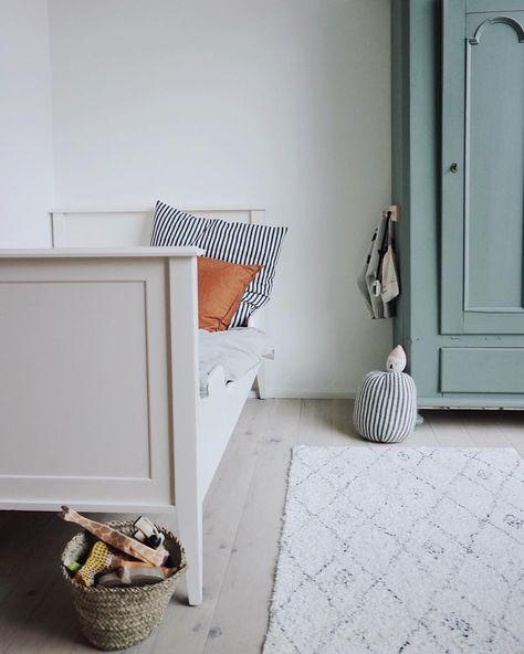 Clean and minimalistic kids room