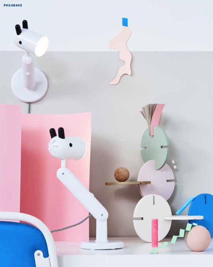 Le novità del mese di febbraio proposte da Ikea: arrivano le docce firmate Ikea, un nuovo divano componibile, lampade, arredi e accessori per la cameretta, orologi da tavolo e da parete, tavolini, tappeti e oggetti per la tavola.
