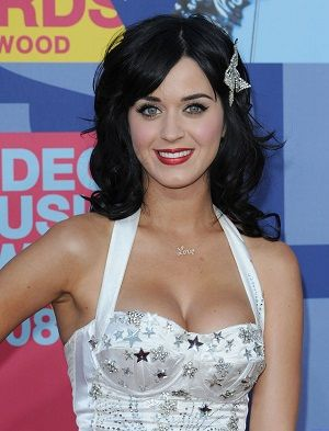 Katy Perry pictures and biography www.Pictures.yt