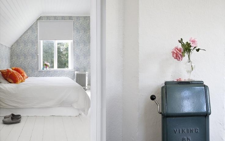 White/white floor/wallpaper. For Zoë's room?