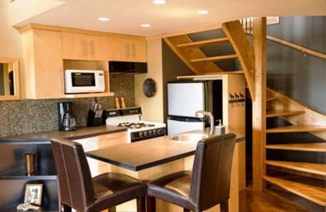 Simple interior designs for small house for crazy winter for Tiny house interior ideas
