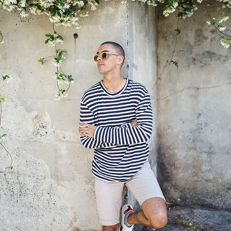 Mens Fashion Style & Outfit inspo by Blogger MR TURNER. Striped t shirt and shorts with a Gucci Ace sneaker for Spring Summer