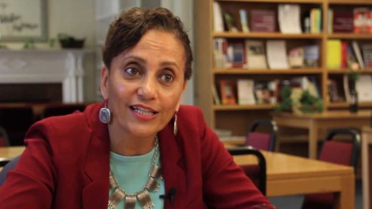 How to Change Careers: 5 Tips from a Career Advisor - WATCH VIDEO HERE -> http://tgkintanar.com/how-to-change-careers-5-tips-from-a-career-advisor/     Pondering a job or career change? Linda Spencer, the assistant director and coordinator of career advising at Harvard Extension School, provides thoughtful insight to help you make the transition.  For more information, visit  TG Kintanar Curated Career & Business Videos Video credits to... (TG Kintanar) http://tgkintana