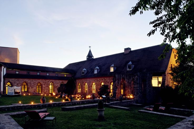 Klosterinnenhof, Hotel Kloster Hornbach, Rheinland-Pfalz