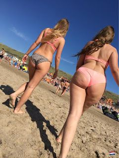 culos redondos en la playa