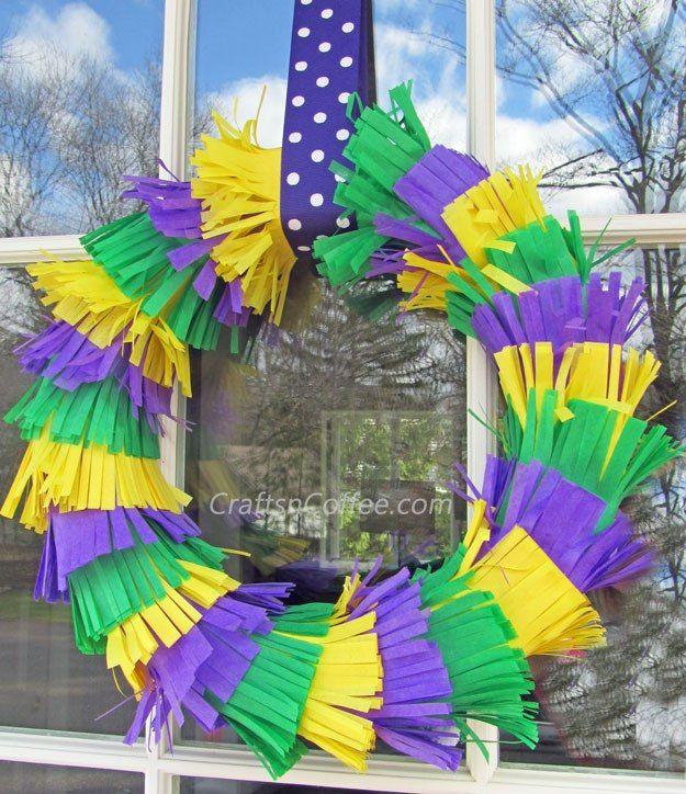 Fai da te una veloce e di festa, Martedì Grasso Corona.  CraftsnCoffee.com.