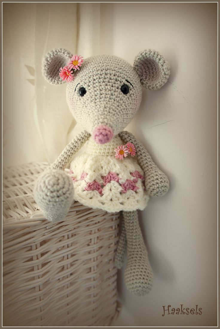 Amigurumi Mouse Pattern Crochet : Ravelry marion s long legged mouse in a vest