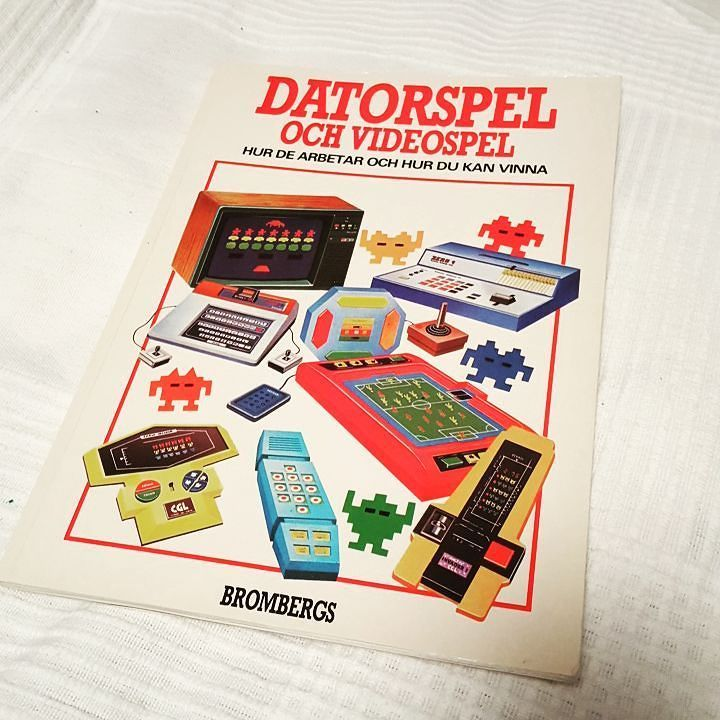 You'd like this one by kristoferhanssonaspman #retrogames #microhobbit (o) http://ift.tt/1VKXlWj this one at @butikmackapar this week. It contains a lot of beautiful illustrations and it even mentions Computer Space! Hopefully I will learn something.  From 1983.  #1983 #datorspel #videospel  #retrogaming #spelhistoria #gaming #videopac #spaceinvaders #tac2 #retrocollectiveeurope