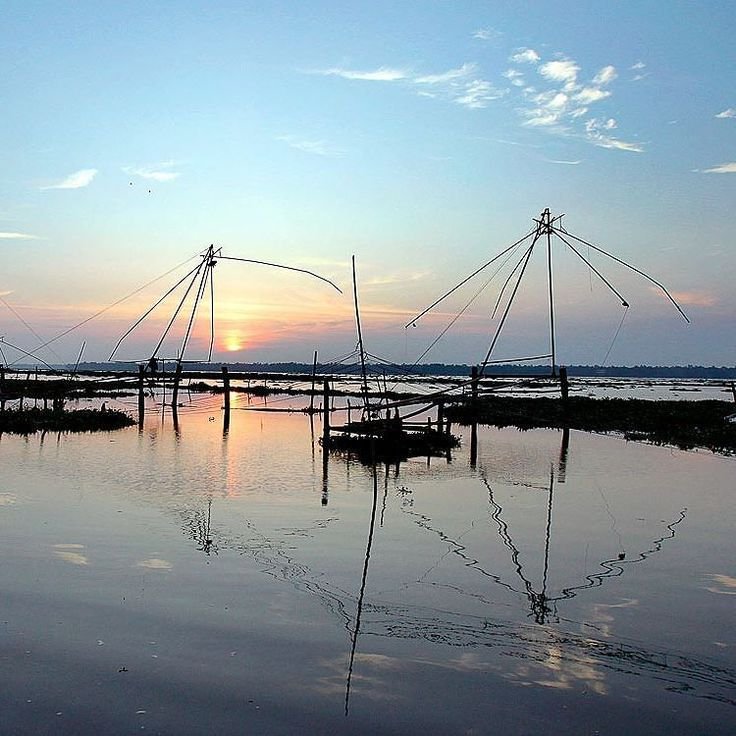 #chinese #fishing nets on  #waterway enroute #vaikom from #alleppey definitely an #offbeat route for #backwaters #cruisers on pleasure hunt of destination #kerala #silhouette #shadows#kumarakom#india#incredibleindia#travelph #beauty #wanderer #indiatravel #water#world#reflections#calm#perspective#sunset#sky#skyporn #gold #bucketlist #dusk #like4like