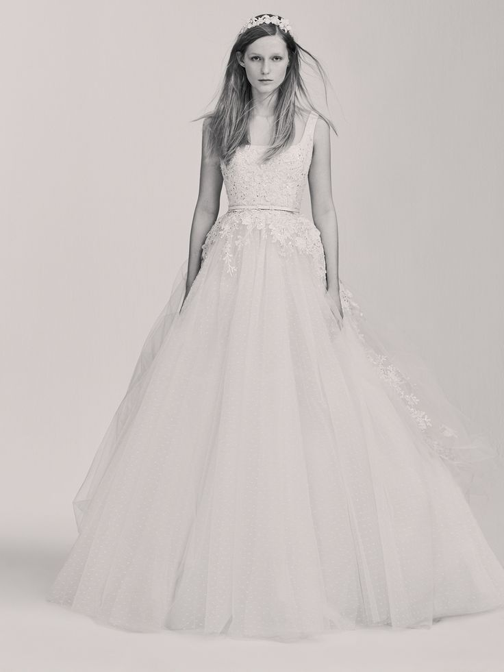 The 126 best ELIE SAAB Ready-to-Wear Bridal images on Pinterest