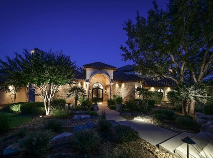 San Antonio | Hill Country Sunning resort-style villa with infinity views in Boerne Listed by: Patti Nelson | San Antonio Portfolio Real Estate - KW