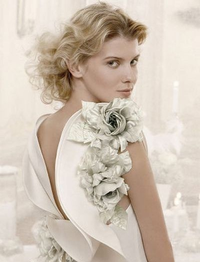 big flowers on one shoulder and waist
