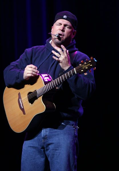 Garth Brooks Las Vegas 2014 | Photos : Garth Brooks Begins Show at Wynn Las Vegas