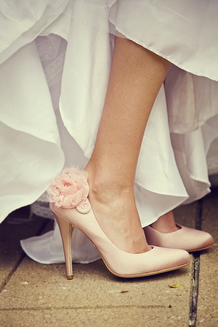 Elegant Light Pink Wedding Shoes With A Flower