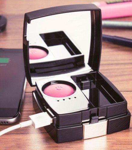 Achetez le Chargeur externe sous la forme d'un Blush avec miroir sur lavantgardiste.