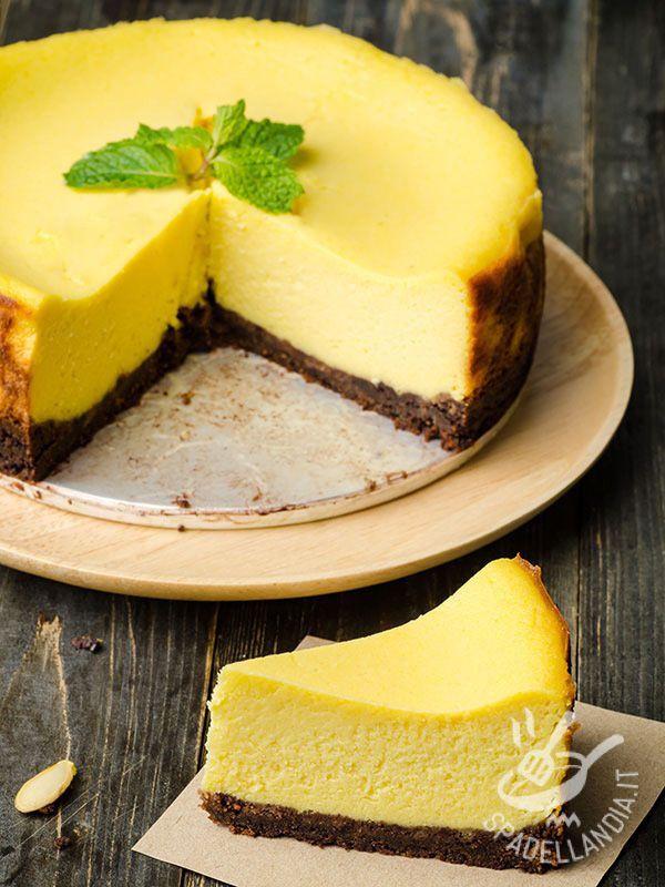 Cheesecake with chocolate and saffron - Il Cheesecake al cioccolato e zafferano è una vera squisitezza. Se siete amanti di questo dessert non perdetevi questa versione, originale e aromatica!
