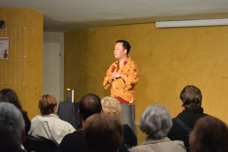 """Sesión de narración oral para adultos con Yoshi Hioki en Montijo (09-03-2015). Dentro del Plan de Fomento a la Lectura """"Un libro es un amigo"""""""