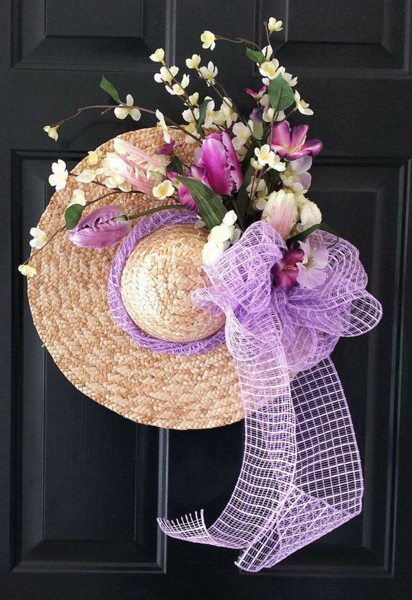 Straw Hat Summer Wreath.Many more cool summer wreaths at : http://hative.com/summer-wreath-tutorials-ideas/