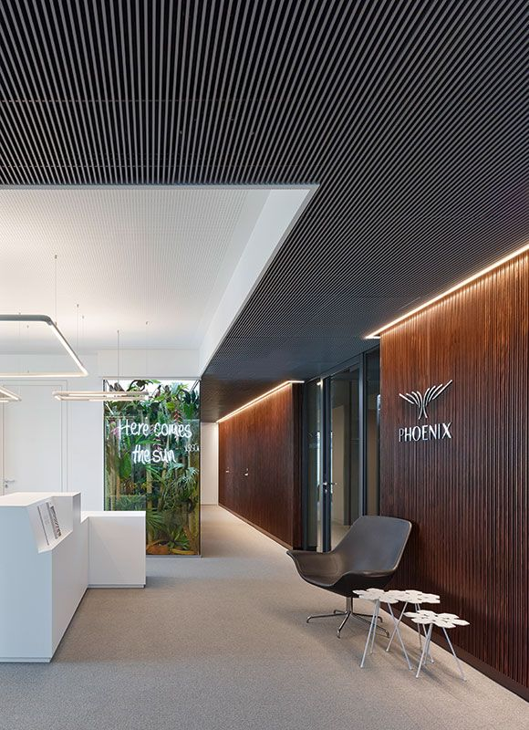 Phoenix Real Estate, Frankfurt. Ein Projekt von Ippolito Fleitz Group – Identity Architects, Sitzmöbel.