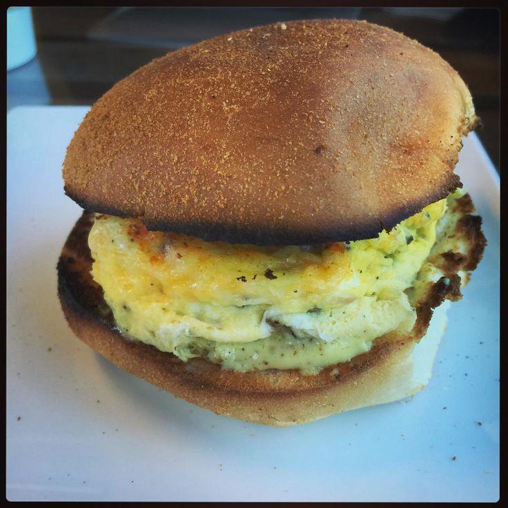 A big #Breakfast Little @piccolo_petes_cafe #littlehollywood #visitacionvalley #sflocal #sanfrancisco @rosellaphoto.food