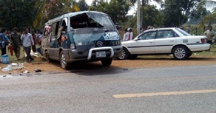 At least 9 people sustained injuries when a passenger bus overturned on national road 05 in the afternoon of January 21st in Chheu Teal Kpous village, Kbal Trach district, Krokor commune, Pursat province.The identities of the injured haven't been known yet since after the incident, the injured were sent immediately to the hospital.The bus driver ran away from the scene of accident.