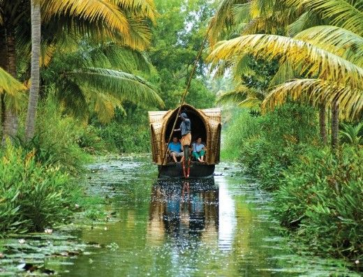 A list of the top 10 places to visit in Kerala namely Munnar, Wayanad, Thekkady, Kumarakom, Alappuzha, Varkala, Bekal, Thrissur, Kovalam and Fort Kochi.