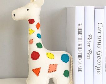 Giraffe Bookend, Book end, Bookends, childrens bookends, colorful, felt, kids decor, shelf decor, nursery room, animal, decor, giraffe