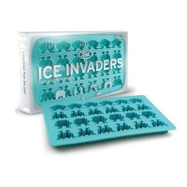 Z tej foremki do lodu możemy otrzymać 24 kostki lodu w kształcie kosmitów dobrze znanych ze starych gier komputerowych.
