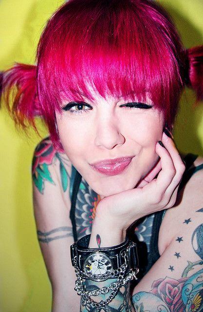 hot pink hair!!