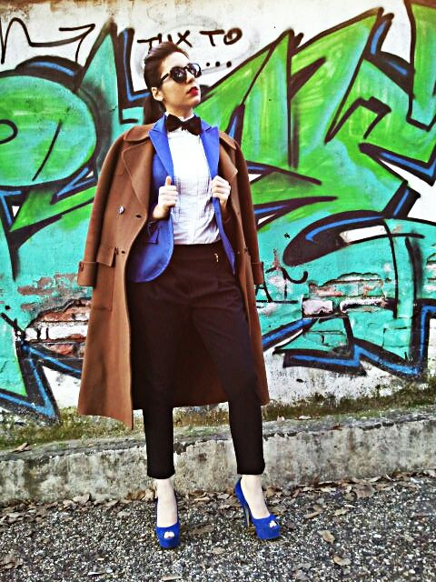 camel and royal blue  http://www.thefashionprincess.it/